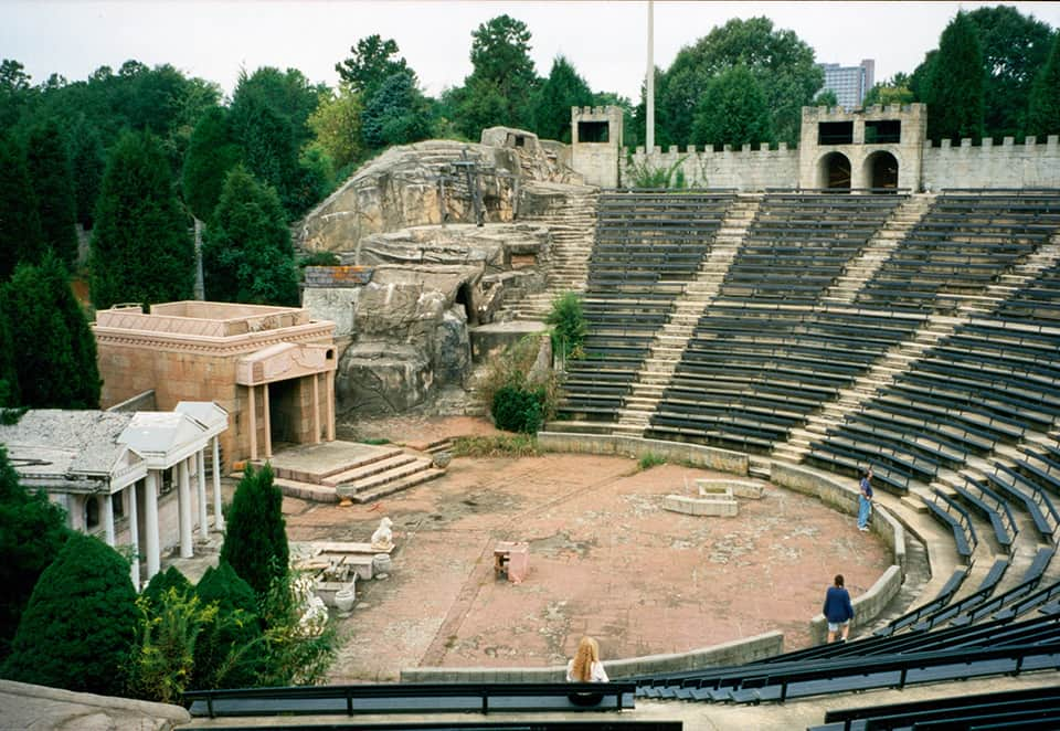 sideview of amphitheatre
